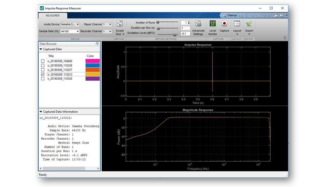 脉冲响应测量仪截图,分别在时域和频域中显示估计响应,菜单中的列表包含其他可绘制的估计脉冲响应,另外可以看到该 App 提供的其他交互式控件。
