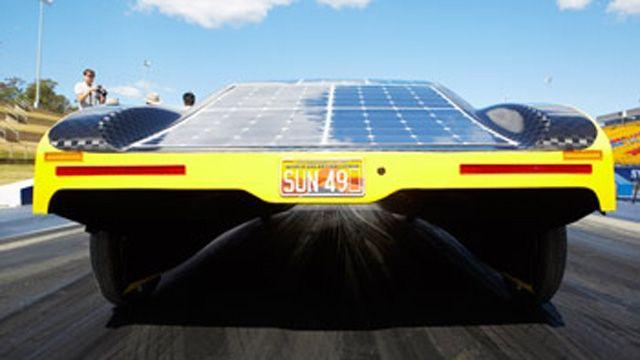 学生们使用 MATLAB 模型优化 Sunswift eVe 太阳能电动汽车的电池使用。