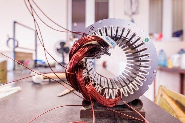 牵引电机定子与绕组