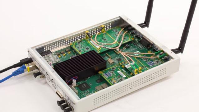 使用 USRP® SDR 接收 802.11 OFDM 信标帧。